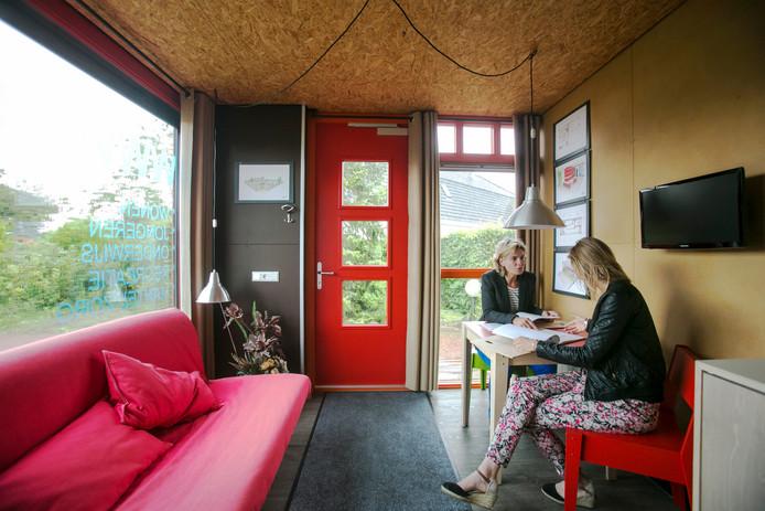 Wat is er mogelijk met woningen in een zeecontainer? Met dat onderzoek hielden studenten van het innovatieproject SPARK zich bezig.