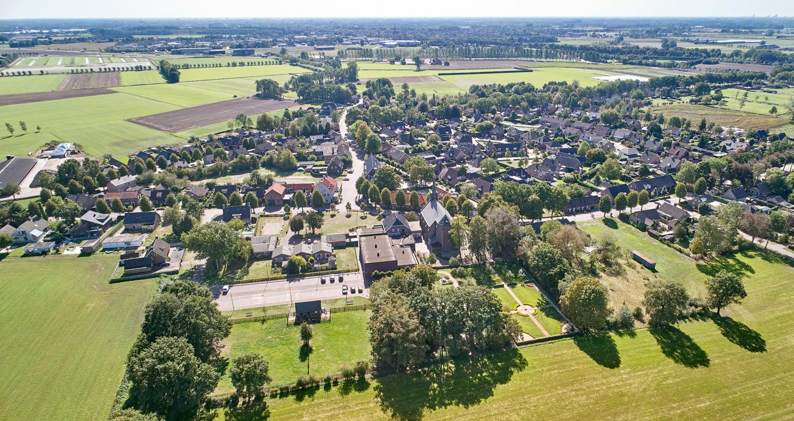 Boerdonk, overzicht met centraal de kerk en herberg 't Mirakel.
