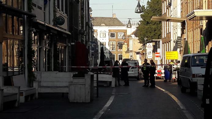 De Voorstraat in Zwolle is afgesloten.