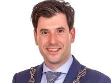 Trouwen bij Joeri Minses kan voortaan: de burgemeester van Alphen-Chaam is een babs geworden