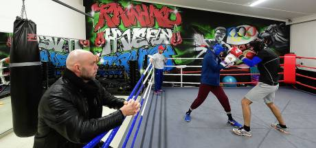Highschool of Boxing in Roosendaal: 'Hard trainen en veel lachen'