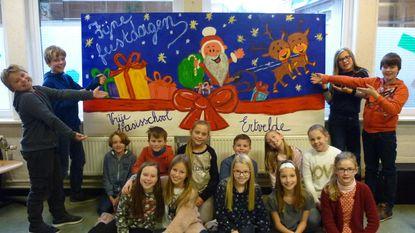 Vrije basisschool maakt mooiste kerstschilderij