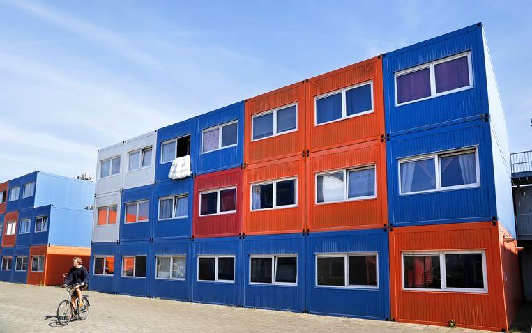 Containerwoningen voor studenten in Amsterdam-Noord bij de NDSM Werf. Beeld Hollandse Hoogte / Berlinda van Dam
