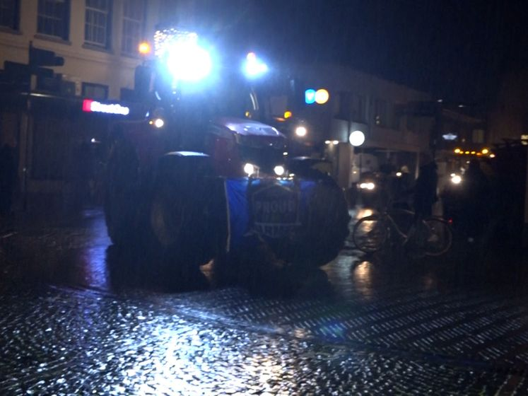Honderden boeren protesteren in Winterswijk tegen stikstofregels