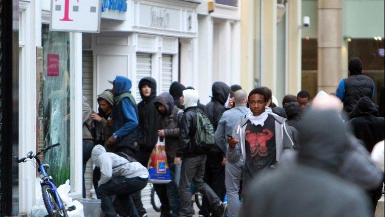 Plunderingen in Machester Beeld photo_news