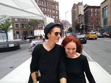 Lesbisch stel gaat op wereldwijde trouwtournee