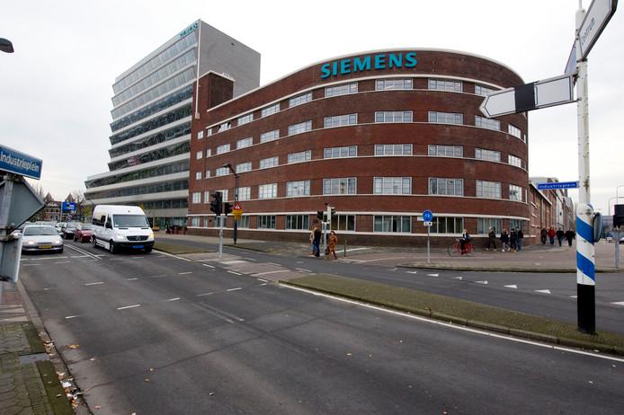 Siemens In Hengelo Gaat Dicht 600 Banen Weg Siemens In