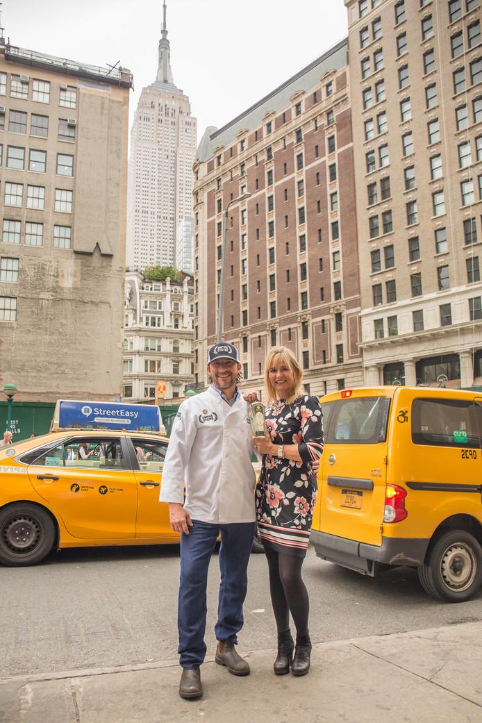 Kevin Joseph, de oprichter van de New York Oyster Week met  Myriam Hendrickx, distilleerder van Rutte.