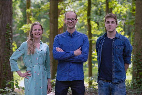 Voorzitter van het Bijzonder Comité Sociale Dienst en schepen van onder meer welzijn en sociale zaken Mattias Bouckaert omringd door partijgenoten Hanna Van Steenkiste en Tom Van Den Berghe.