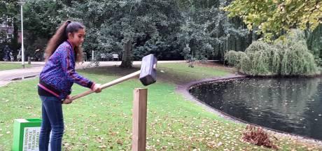 Hamerslag voor een schoner Wilhelminapark: 'Vijver lag vol blikjes'