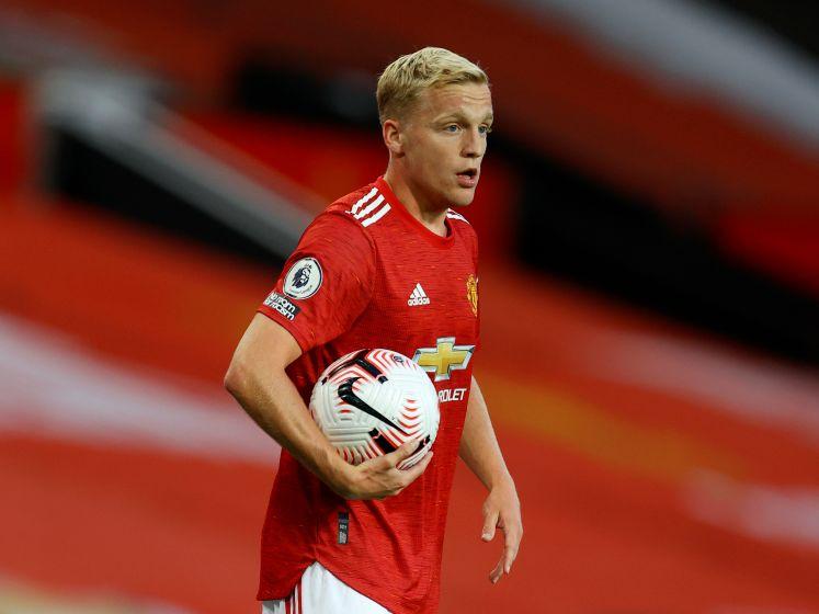 Van de Beek scoort bij debuut voor Manchester United, maar verliest wel