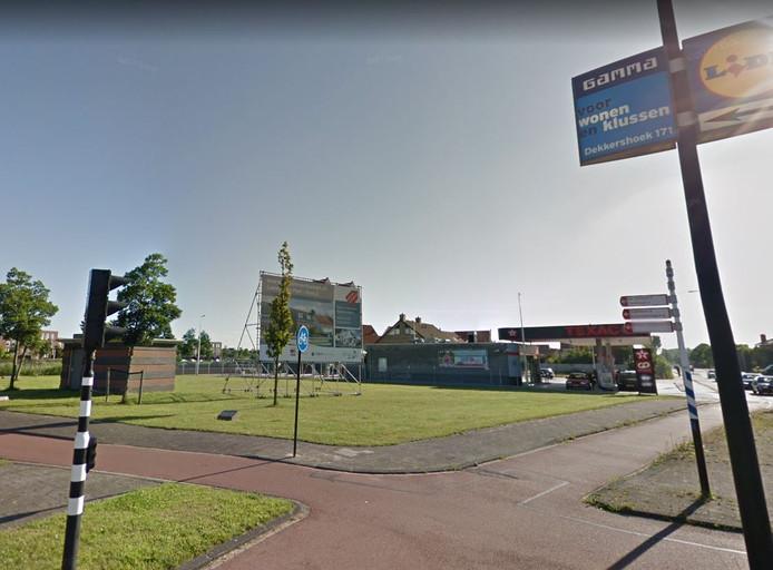De hoek Laan van Wateringse Veld en Oosteinde in Den Haag  waar de flat voor statushouders moet komen.