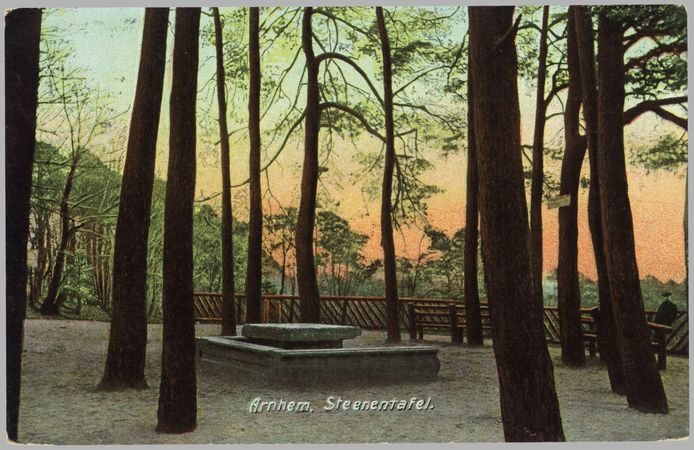 Monument De Steenen Tafel.