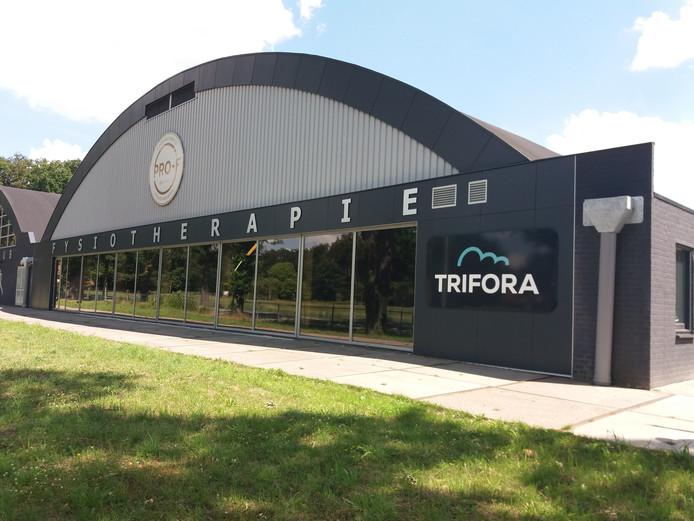 Sportschool Trifora in Enschede loost het regenwater vanaf het dak voortaan niet meer op het riool. Het water stroomt de Roombeek in.