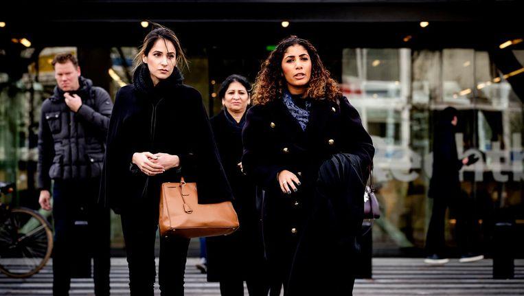 Nadia Rashid (links) vorig jaar bij de rechtbank van Amsterdam. Beeld anp