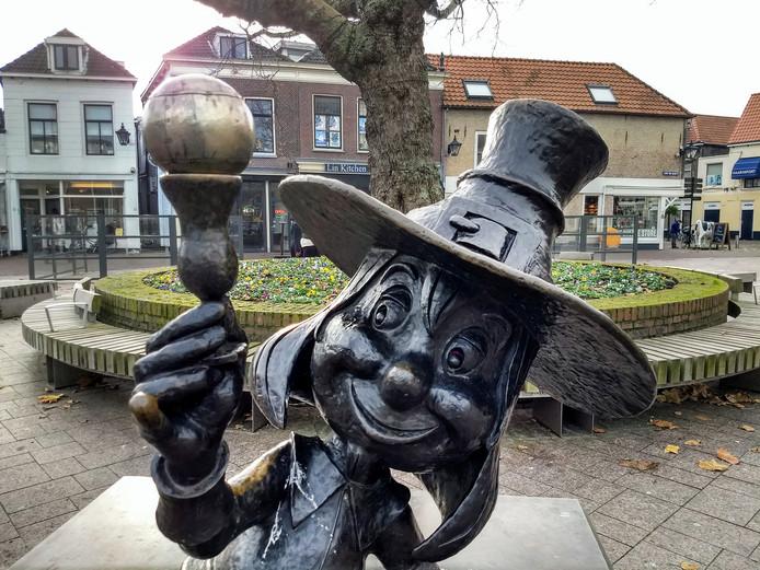 Het Proosje van Schiedam heeft opeens een bal op zijn glaasje liggen