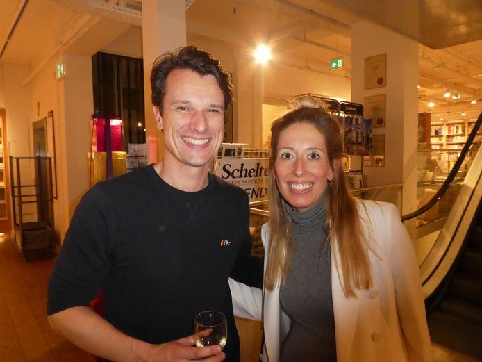 """Oeroude vriendin/jurist Sarah van Suchtelen-Kesler en haar vriendje Robert: """"Nou, we daten net. Ze heeft me opgepikt op een after."""""""