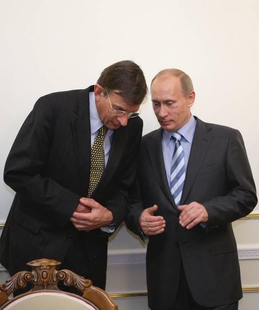 Niet Zijlstra, maar Jeroen van der Veer had in 2006 een ontmoeting met Poetin. Op de foto staan ze samen tijdens een top in 2009.