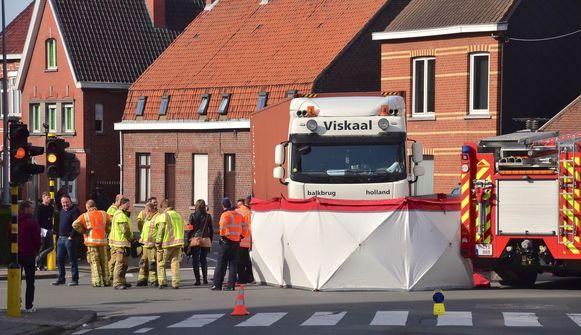 Het drama gebeurde op het kruispunt De Vierhoek, waar in het verleden ook al zware ongevallen gebeurden.