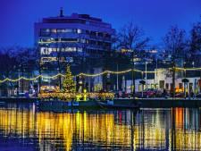 Havenbeeld: Drijvende kerstboom en strik rond Den Ophef