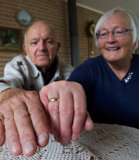 Veteraan uit Heelweg raakte net voor zijn 50-jarig huwelijk in Wageningen zijn trouwring kwijt