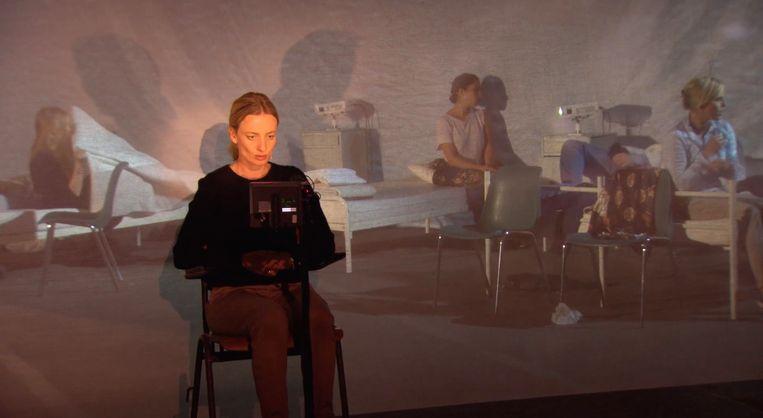 Karina Smulders in Stad der blinden van Theater Utrecht. Beeld