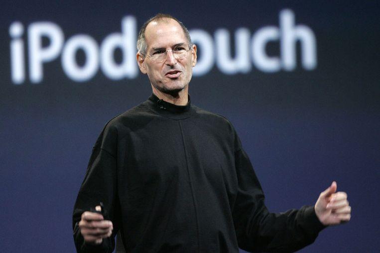 De topman van Apple Steve Jobs in zijn onafscheidelijke zwarte coltrui. (Reuters) Beeld