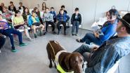 Blinde maakt prentenboek over geleidehonden