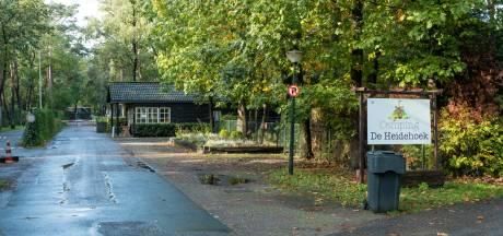 Polen mogen op De Heidehoek in Wezep wonen, dus trekt de gemeente mogelijkheid voor een boete in