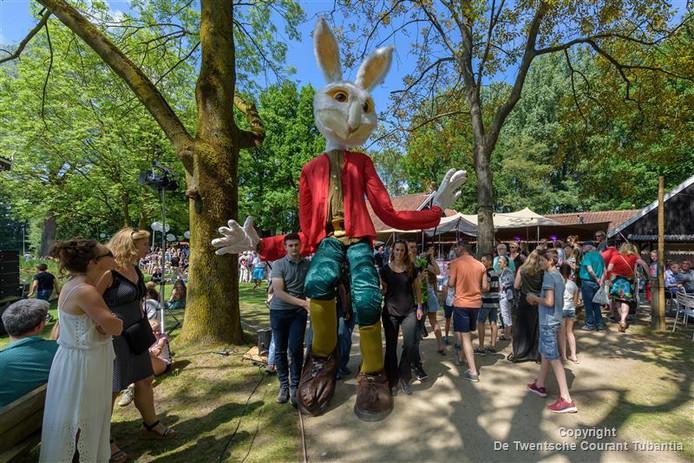 Rabbit Gigantica trekt veel bekijks