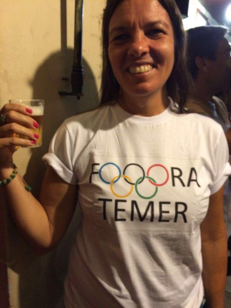 Veel Brazilianen gebruiken de Spelen om hun ongenoegen te uiten over Temer. Beeld Marjolein van de Water