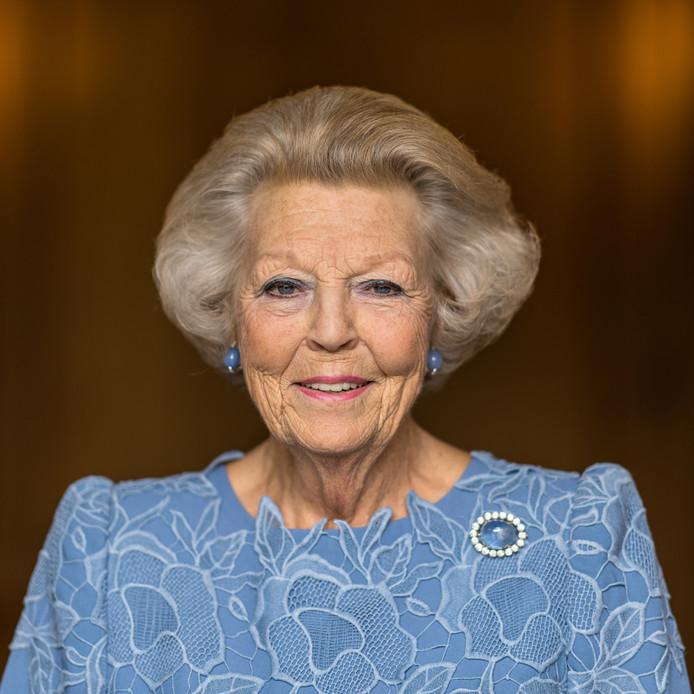 Prinses Beatrix maakt nieuwe portretten ter gelegenheid van haar 80ste verjaardag.