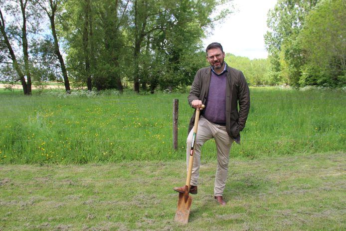 Joris Nachtergaele (N-VA) zal zijn verkiezingsbelofte nakomen en gaat een kleine 8.000 bomen planten.