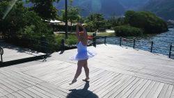Ze kreeg vreemde blikken en venijnig commentaar, maar nu is volslanke Thaina een unieke ballerina