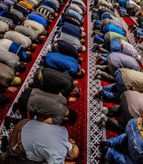 De kerk loopt leeg, de moskee (nog) niet