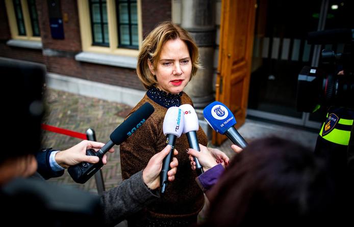 Cora van Nieuwenhuizen, minister van Infrastructuur en Waterstaat, ziet 'nieuwe energie, een duidelijke koers en een scherpe ambitie' om het aantal verkeersdoden en -gewonden te verminderen