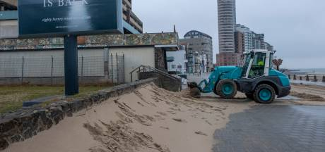 Vlissingen legt het Badstrand terug op zijn plek: 'Zo hoog zie je het zand zelden'
