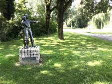 Petitie werkt: Dronten zet beeld De Polderpioniers terug aan De Noord