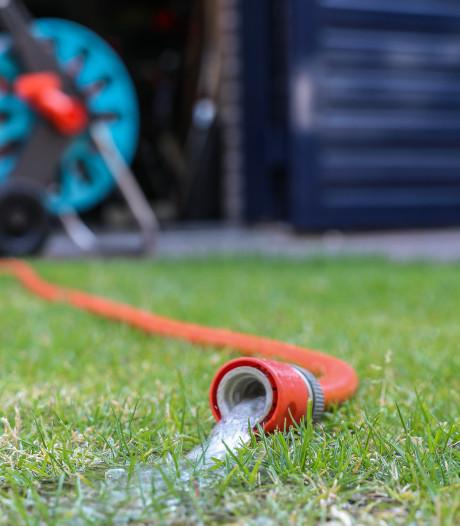Hete zomer leidt tot overtredingen Vitens: Manderveen pompte veel te veel water
