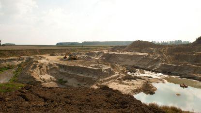 """Stadsbestuur schaart zich achter protest tegen asbeststort in Balegem: """"De volksgezondheid primeert"""""""