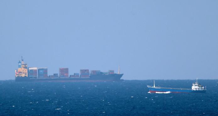 Een tanker op weg naar de Straat van Hormuz. In deze druk bevaren route heeft de Iraanse republikeinse garde al meermaals olietankers in beslag genomen