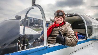 VIDEO. 'Piloot' Oskar (23) ster op symbolische actie  op Wereld Downsyndroomdag