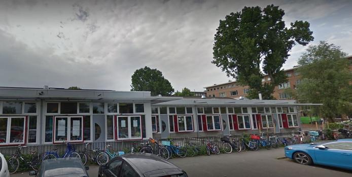 De Jenaplanschool Blijberg rouwt om Stan. 'Op school is met grote schrik en verslagenheid gereageerd op het overlijden van onze leerling.'