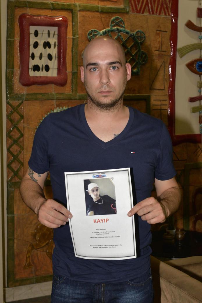 De 22-jarige Robin Hoffmann tijdens zijn zoektocht in Turkije