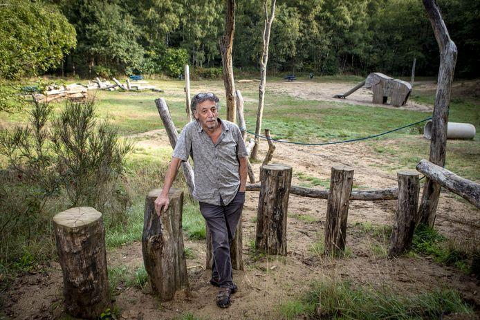 Johan Geerdink, augustus 2018, in de Ordelmanskoele bij de door hem aangelegde natuurspeelplek.
