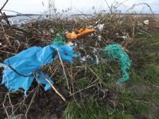 Nu ook plastic afval opruimen aan Dordtse kant van de Biesbosch