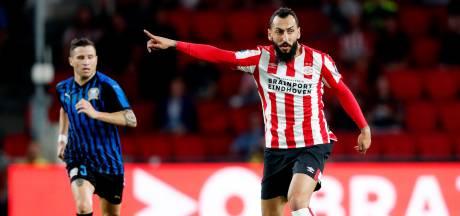 Mitroglou valt als rustpunt tussen het jonge grut meteen op bij PSV