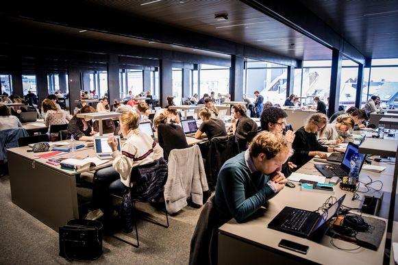 Binnenkort kan je online bekijken of er nog studie- of werkplekken vrij zijn in De Krook.