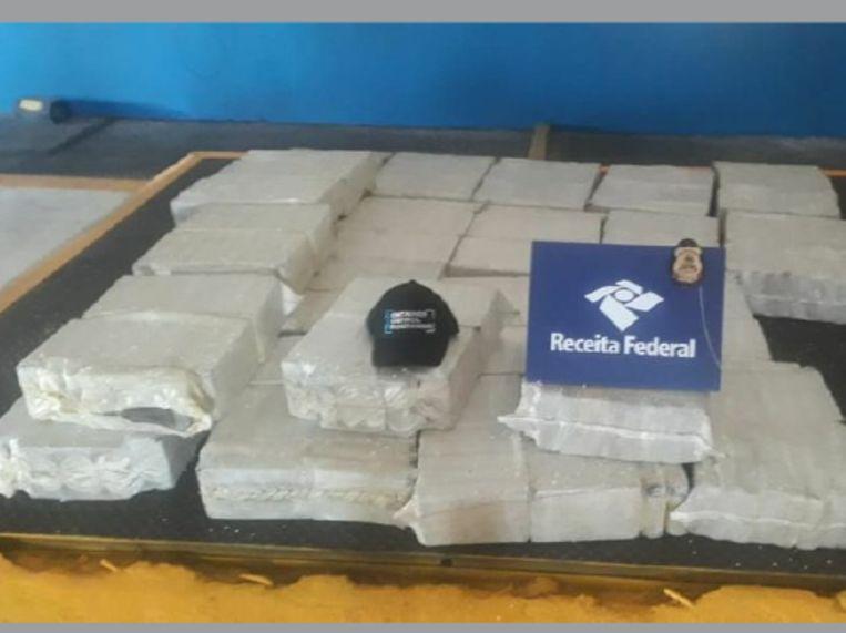 De lading bedroeg in totaal 581 kg cocaïne.