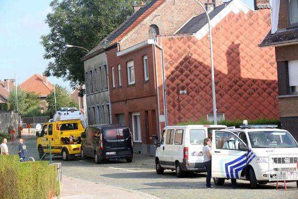MERCHTEM: Reconstructie moord Frederik Heyvaert Brussegem Brussegemkerkstraat Kevin De Cooman: Ook de bestelwagen van verdachte Kevin D.C. werd ter plaatse gebracht